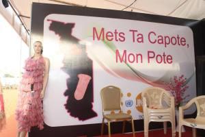 """affiche de la campagne """" Mat ta capote"""" du CNLS"""